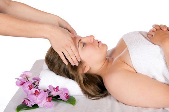 Attractive Services of Body to Body Massage Center in Delhi