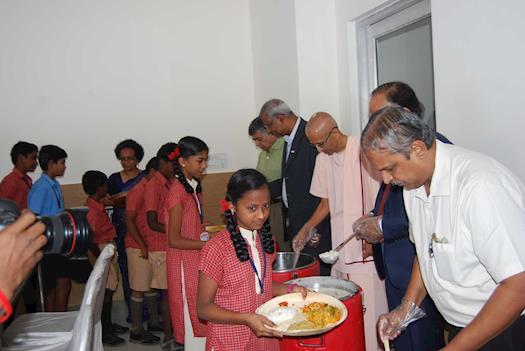 Serving the Akshaya Patra Food