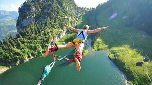Me bungee jumping