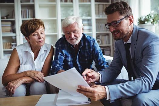 5 Reasons Seniors Should Hold Living Estate Sales