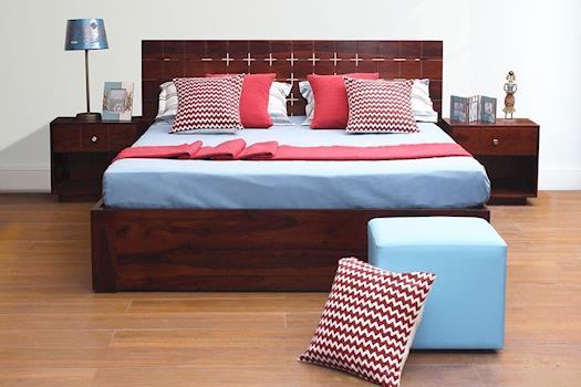 Lavish King Size Bed at Peachtree