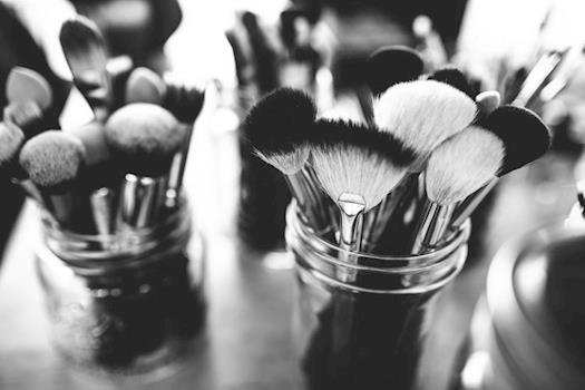 Row Cosmetics Makeup Brush