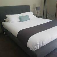Book Luxury Queen 1 Bedroom Apartment for the Best Deal