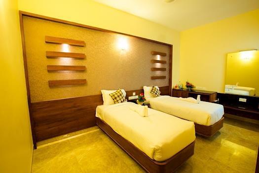 Hotel Radha Prasad - Suite room