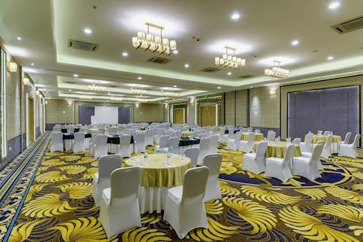 Davanam Sarovar Portico Suites – Luxury Business Hotel in Bangalore
